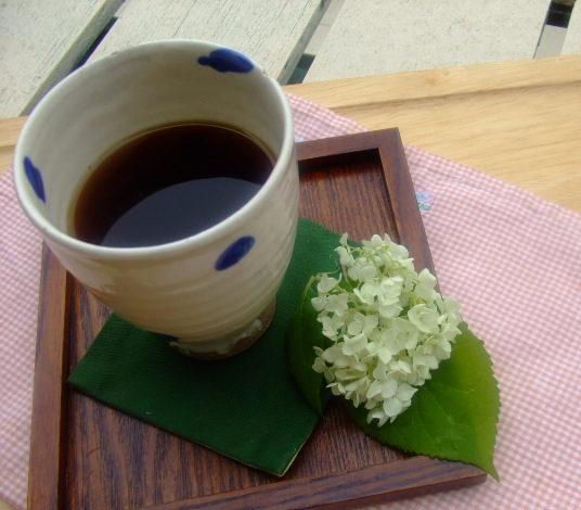 コーヒー、花